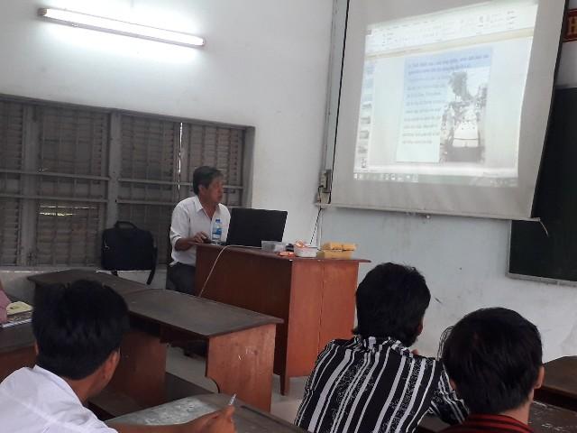 Ông Ngô Tấn Hưng – Trưởng phòng Kỹ thuật Công tyđảm nhiệm Bài 1: Hệ thống công trình thủy lợi Bến Tre (Ảnh: C.T.Xuân)