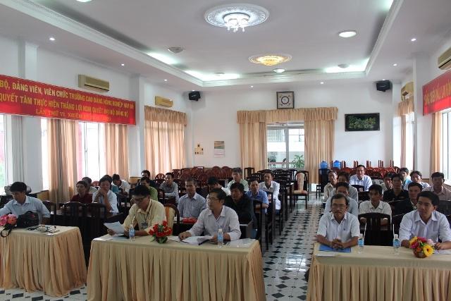 Toàn cảnh lễ Bế giảng lớp Nghiệp vụ công nhân quản lý, khai thác công trình thủy lợi tỉnh Bến Tre năm 2018