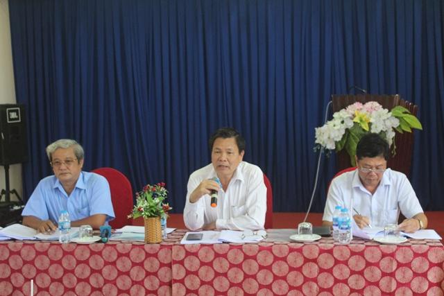 Ông Nguyễn Hữu Lập (Phó Chủ tịch UBND tỉnh) chủ trì cuộc họp